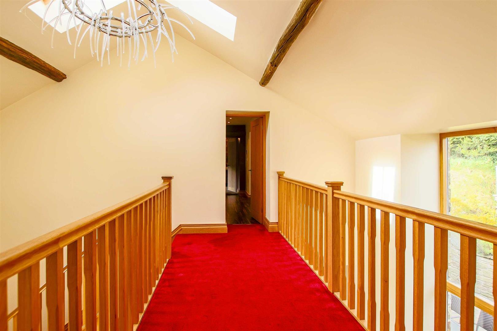5 Bedroom Cottage For Sale - Image 46
